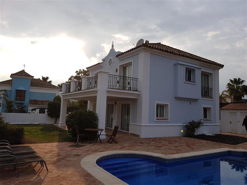 Detached Villa - La Duquesa - R3114823 - mibgroup.es