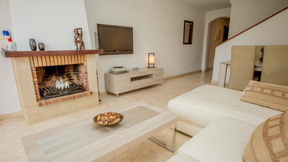 Location, Location - South facing front line golf duplex penthouse - only 5 minutes walk to Puerto d,Spain