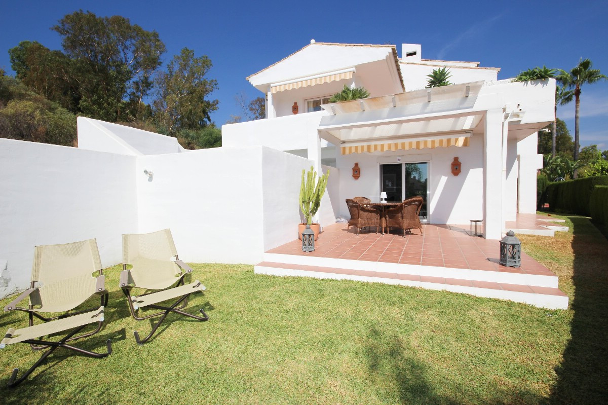 PRICE REDUCED FROM 539.000€ FOR A QUICK SALE!  Beautiful and completely refurbished semi-detached ho,Spain