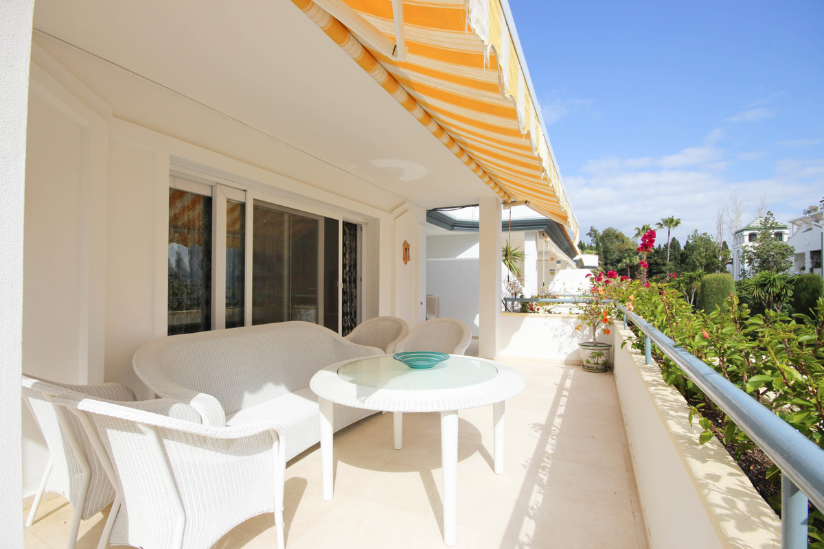 Lovely south facing beachside apartment located in a luxury beachside development with 24 hour secur, Spain