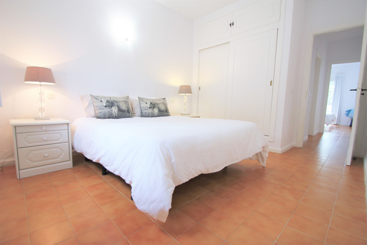 2 Bedroom Ground Floor Apartment For Sale El Paraiso