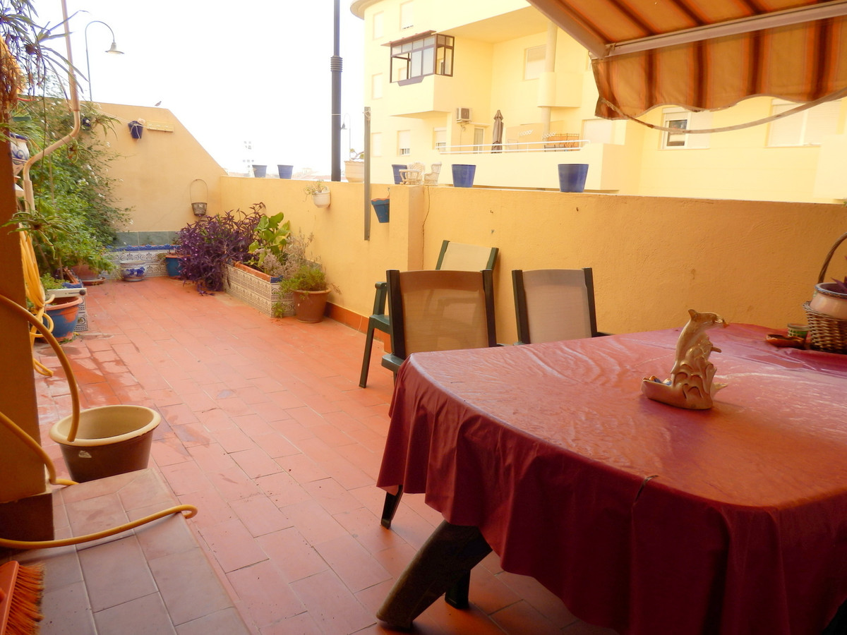 Ground floor in Las Lagunas, very spacious, has 3 bedrooms and 2 bathrooms, very large master bedroo, Spain