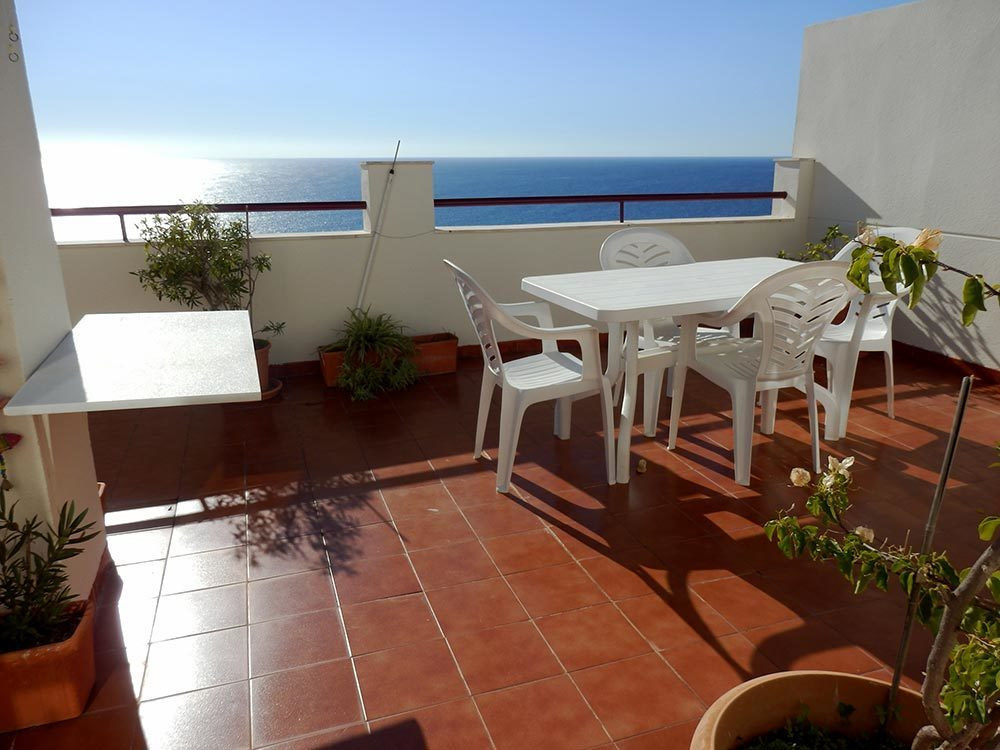 Amazing Penthouse, with spectacular views of the sea.  It has 3 bedrooms, 2 bathrooms, living rooms,,Spain