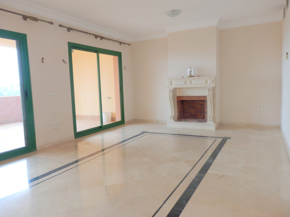 Penthouse at the lower part of Torreblanca. 3 bedrooms and 2 bathrooms. 2 terraces South facing. Ama,Spain