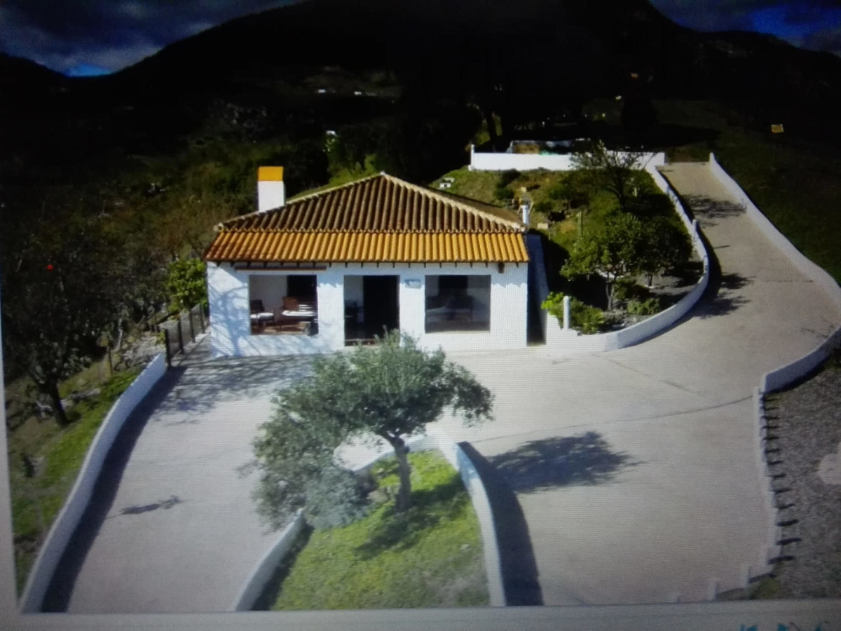 Cozy country house / Finca for sale in Pueblo de Malaga CASARABONELA stunning views 2 bedrooms 1 bat, Spain