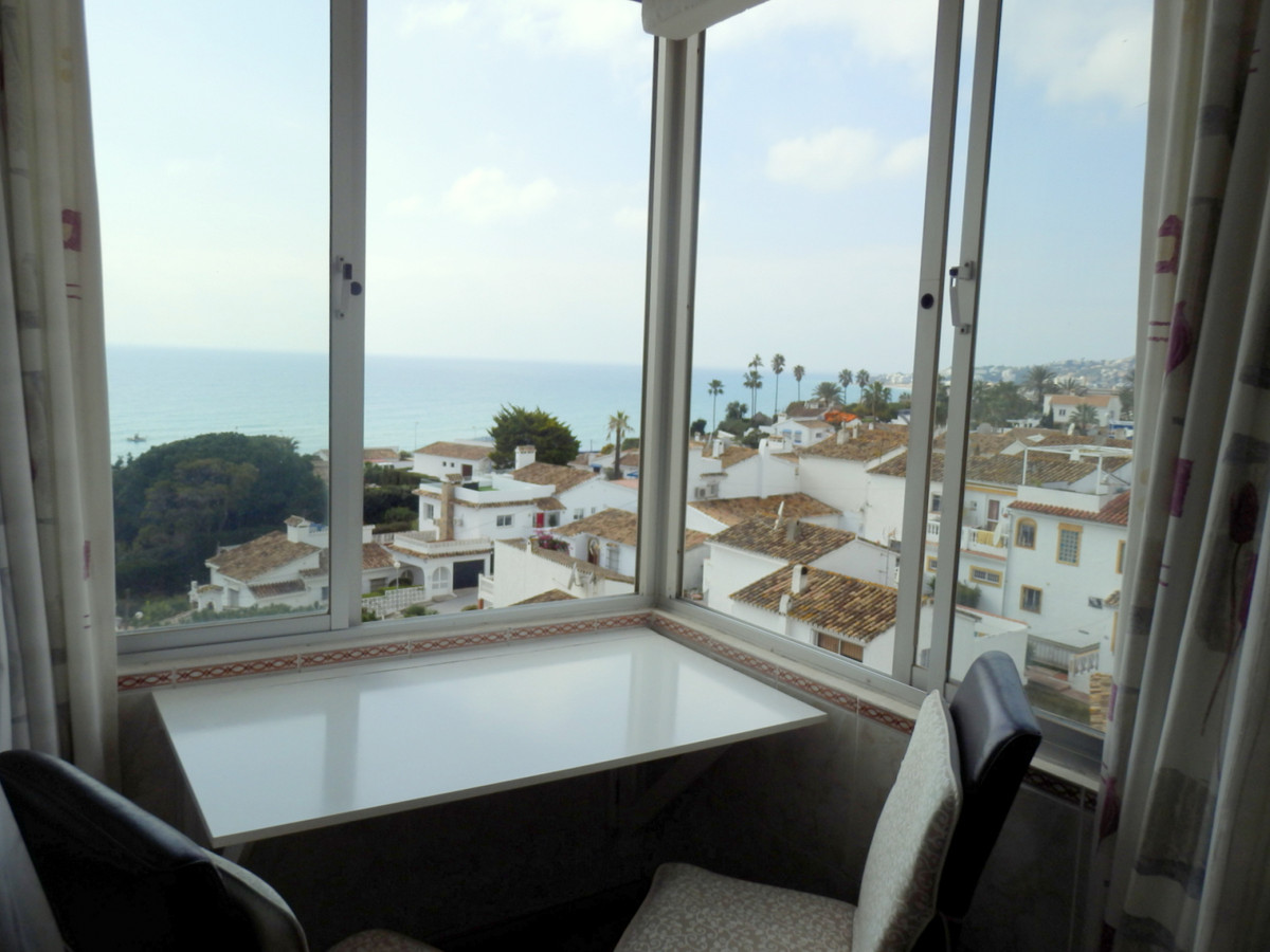 Lovely studio  renovated, sea view, 1 bathroom, fitted wardrobes, communal pool.  Close to the cente,Spain