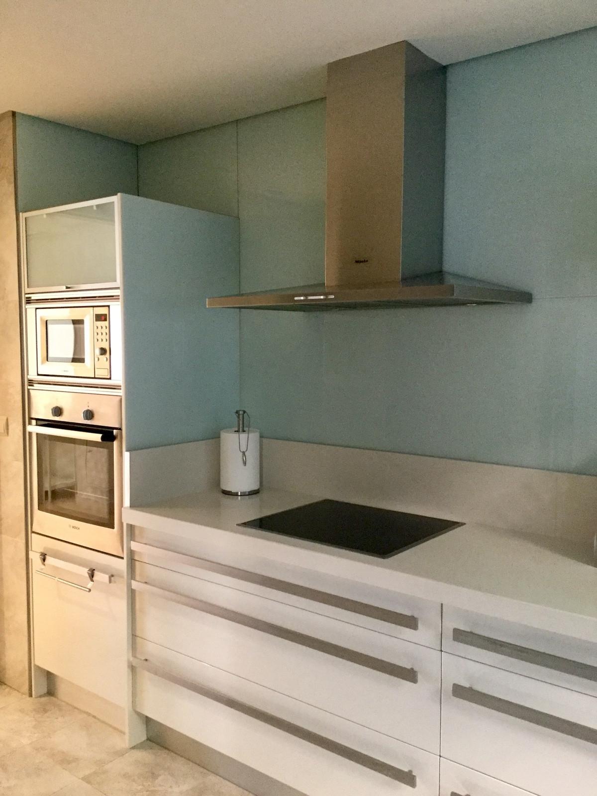Marbella Banus Apartamento Planta Media en Venta en Nueva Andalucía – R3239443