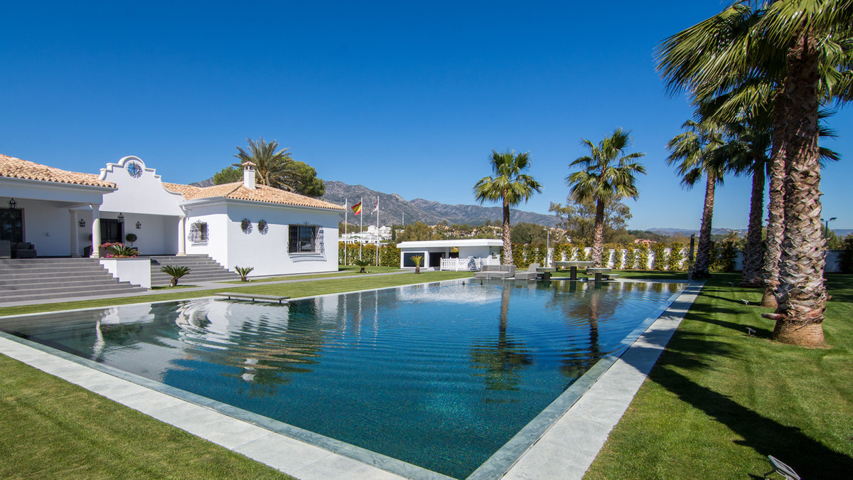 Situated close to the beach on the prestigious Golden Mile , this magnificent estate is unique parad, Spain