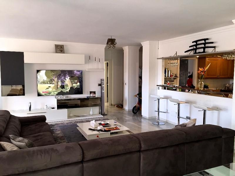 Marbella Banus Apartamento Planta Media en venta en The Golden Mile – R2978323