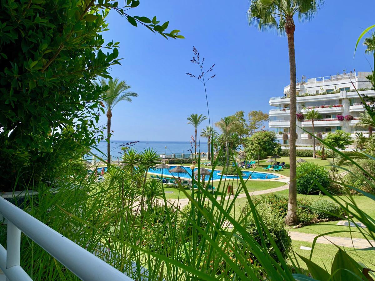 Apartamento Planta Baja en Venta en The Golden Mile – R3482863