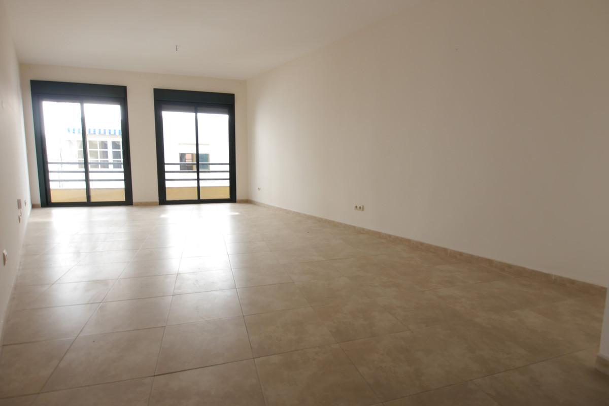 Marbella Banus Apartamento en Venta en San Pedro de Alcántara – R3945052