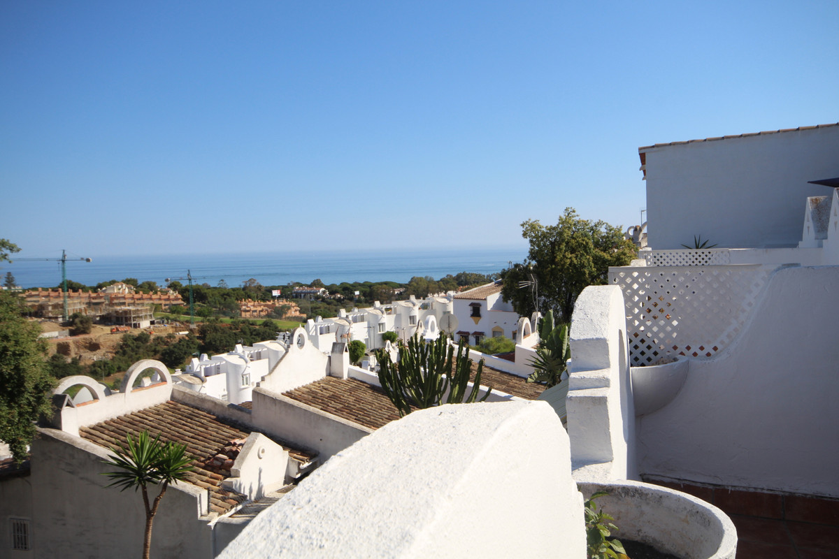 Beautiful townhouse located in Reserva de Marbella, just 5 minutes from the Puerto de Cabopino and i,Spain