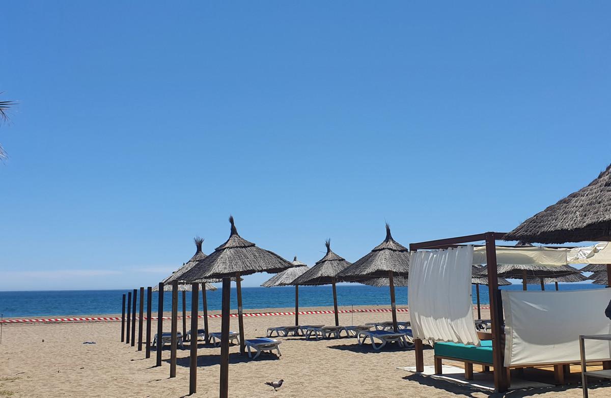 Marbella Banus Apartamento en Venta en Elviria – R3594784