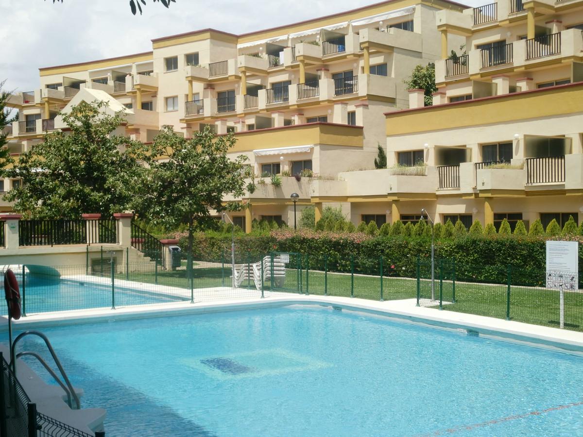 Apartment for Sale in Elviria – R3594784