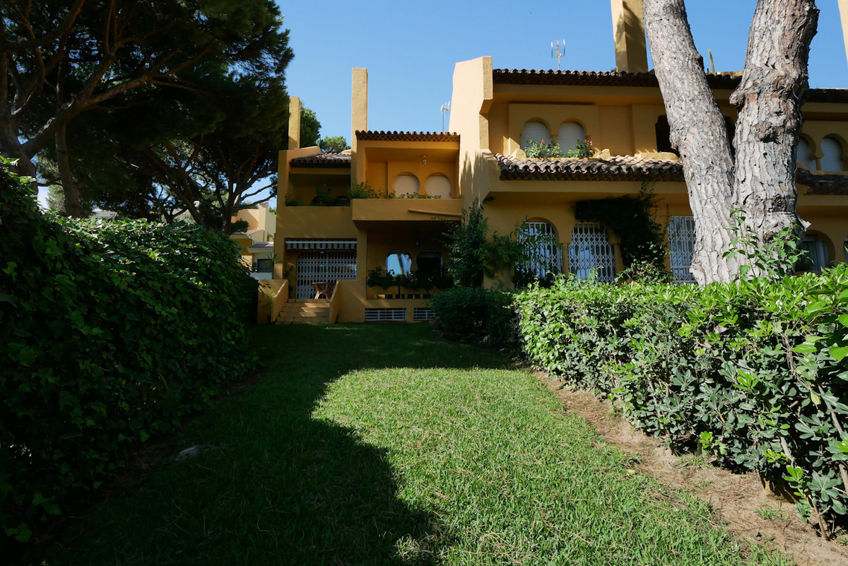 4 bedrooms Townhouse in Cabopino