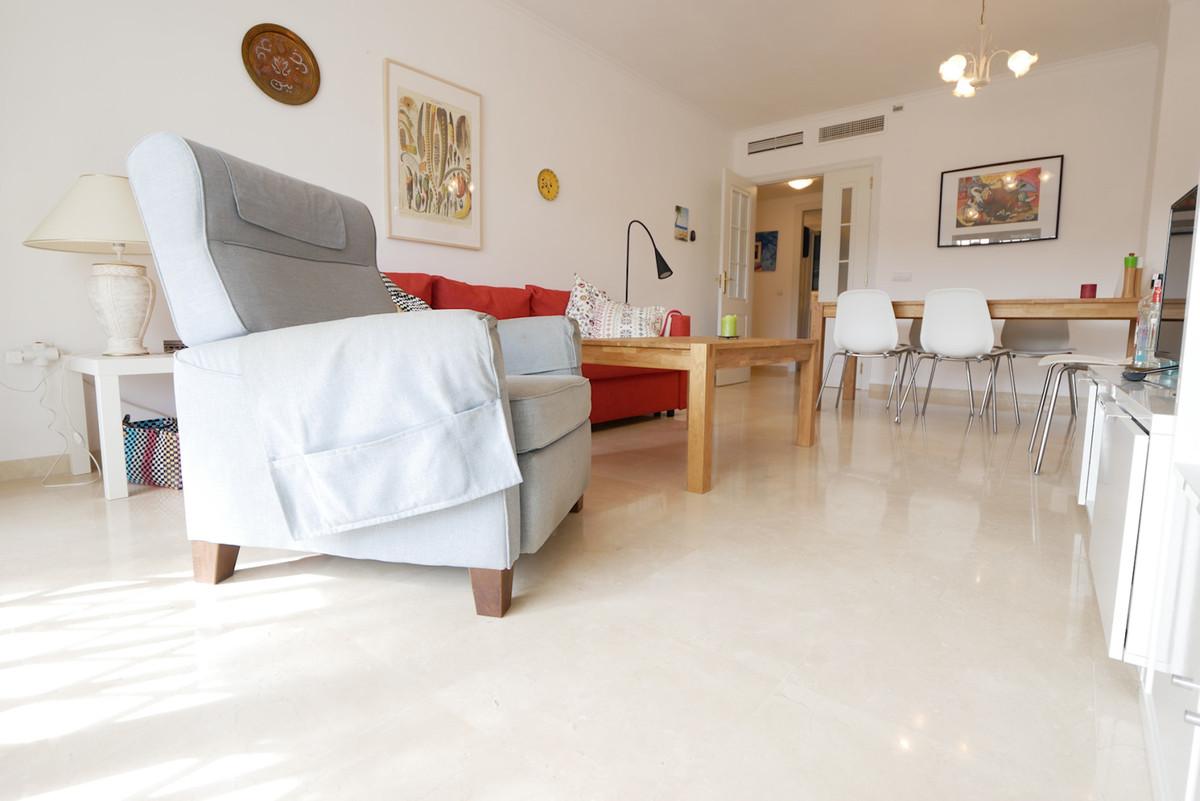 Apartamento en Venta en Calahonda – R3939376