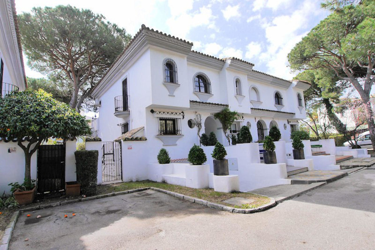 Townhouse in Puerto de Cabopino