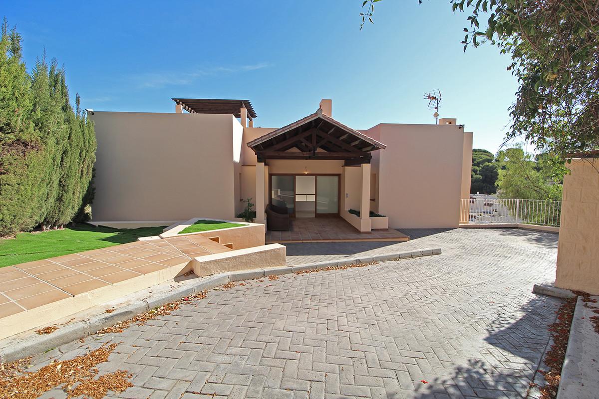 Apartamento, Planta Media  en venta    en Marbella
