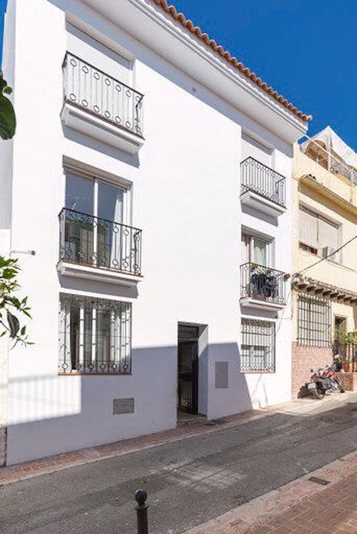 Great opportunity to acquire this property in the heart of Arroyo de la Miel, Benalmadena.  Property,Spain