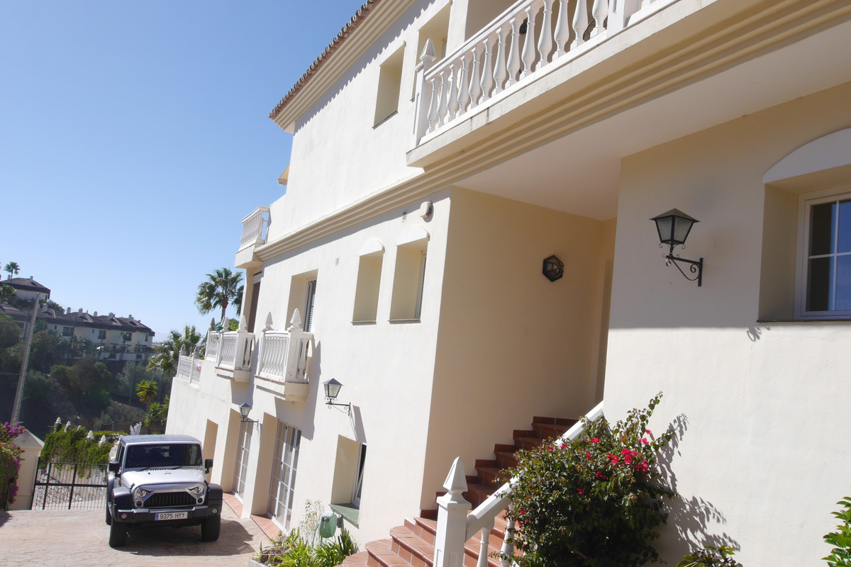 A Very spacious Villa Full of Light from everywhere. It is overlooking Miraflores golf course.  With, Spain