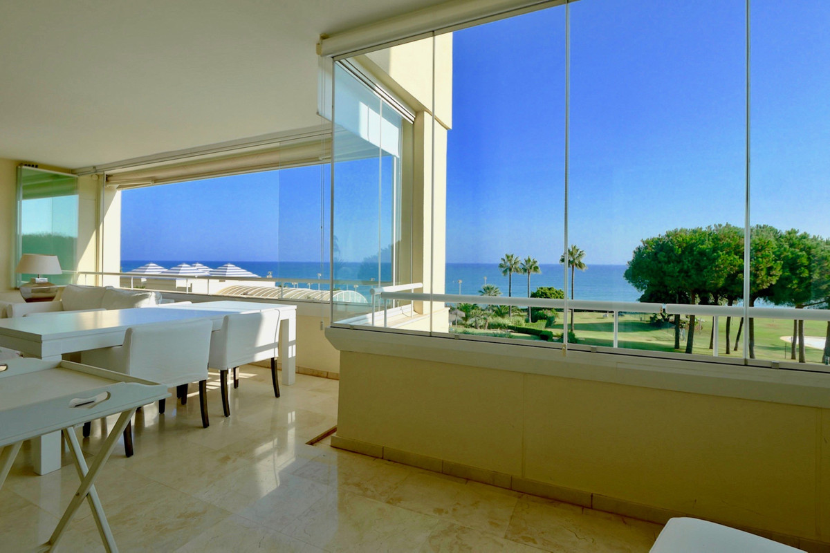 Middle Floor Apartment for sale in Cabopino R3711680