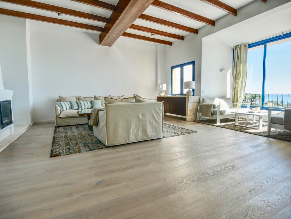 Unique 4 bedroom duplex penthouse with the best sea views in Cabopino is now for sale! This is a mus, Spain