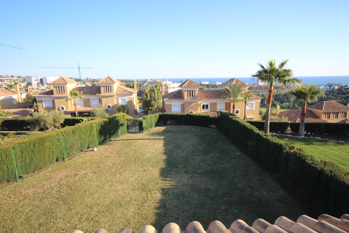 GREAT VILLA LOCATED IN THE PRESTIGIOUS AREA OF MONTEROS, SANTA CLARA GOLF SURROUNDED BY THE BEST GOL, Spain