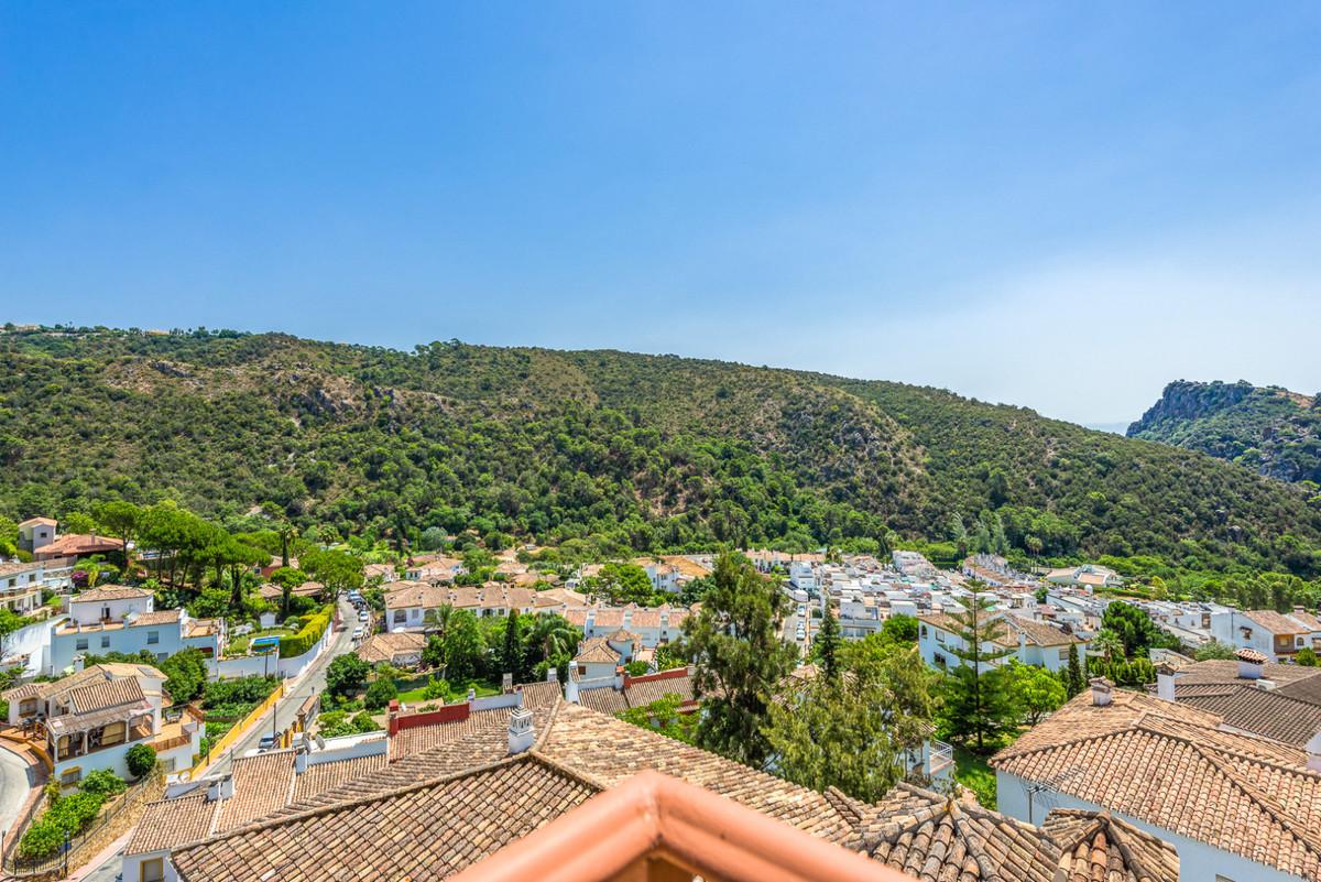 Marbella Banus Apartamento en Venta en Benahavís – R3536263