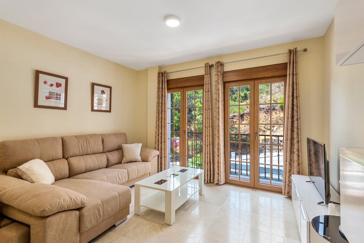 Apartamento en Venta en Benahavís – R3536263