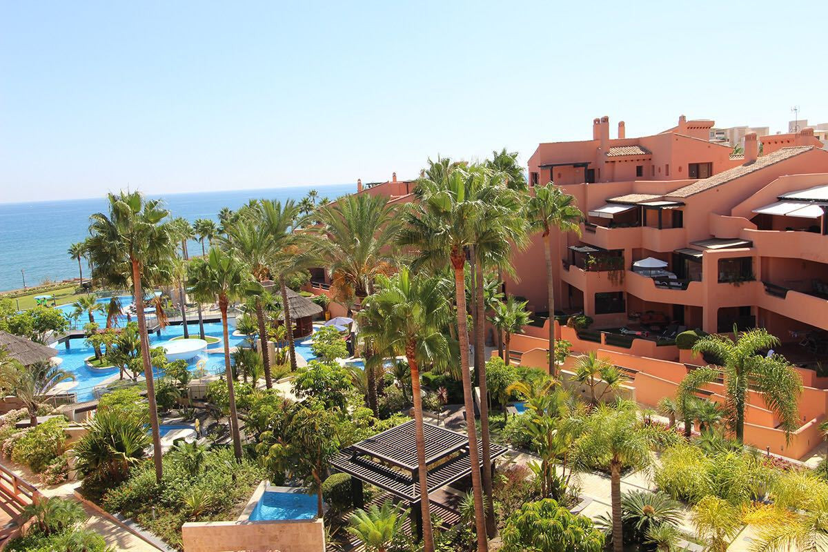 3 Bedroom Apartment For Sale - Estepona