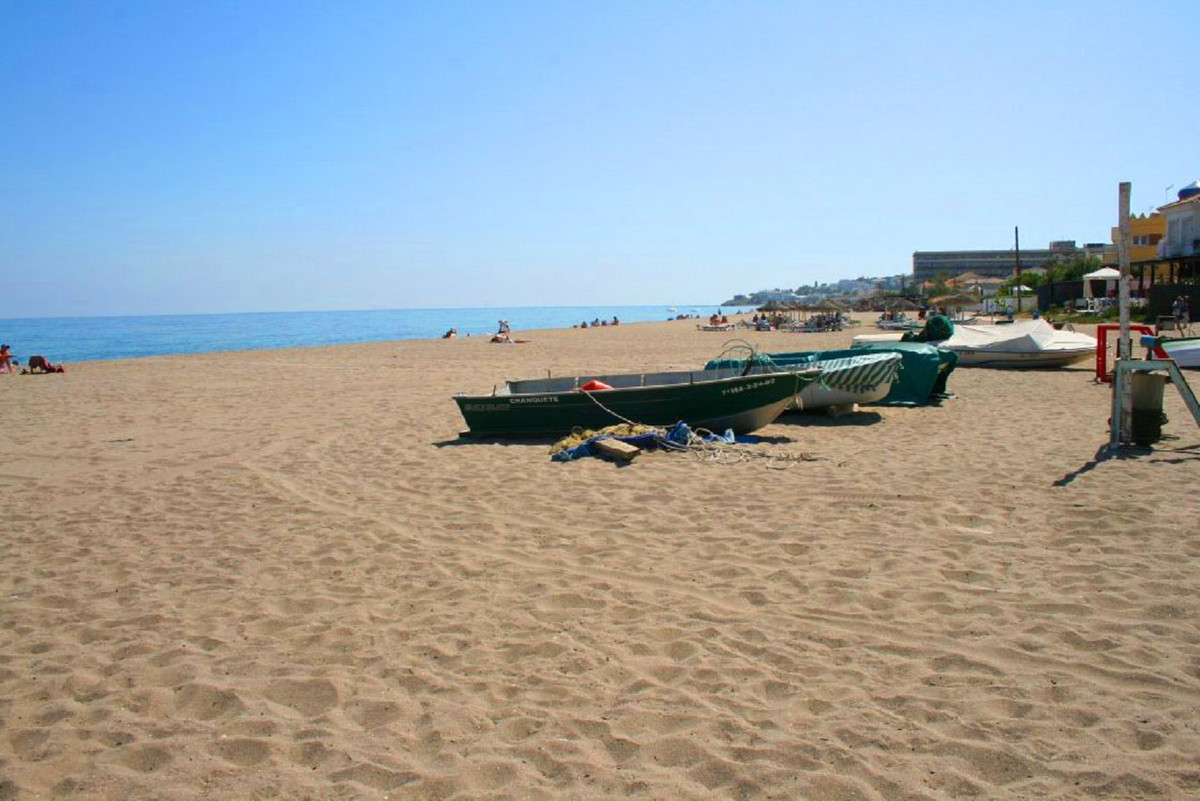 Life is better at the beach! Partial Sea view from top roof terrace. 1 minute walk to the beautiful ,Spain