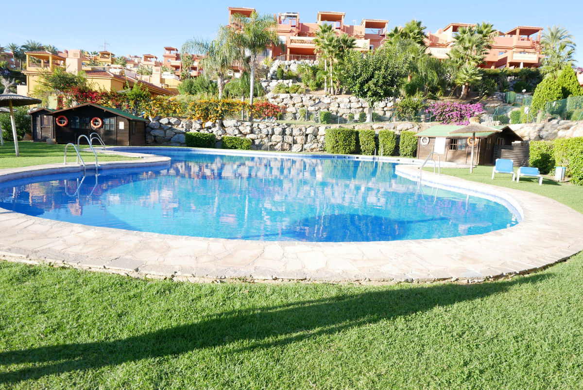 Apartment Middle Floor in Reserva de Marbella, Costa del Sol