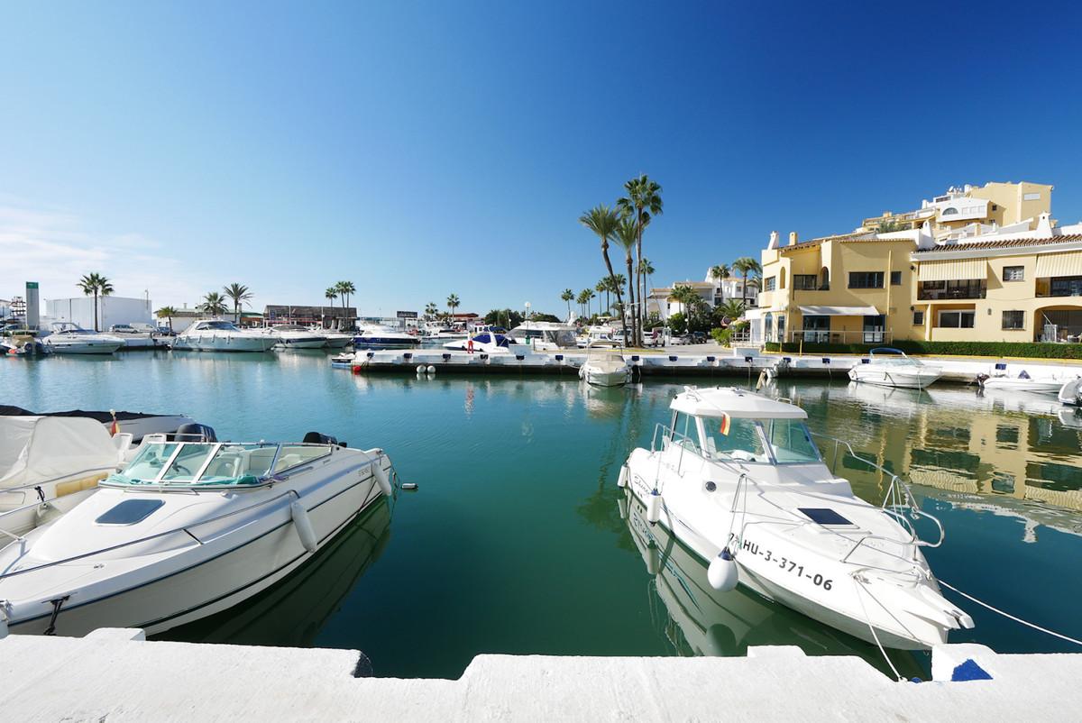 Apartamento Planta Baja en Venta en Puerto de Cabopino – R3534370