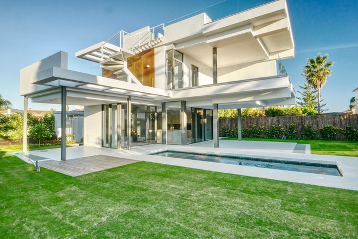 Brand new villa !!! Located on the beach just 5 minutes walk to the best beaches in Marbella. luxury,Spain