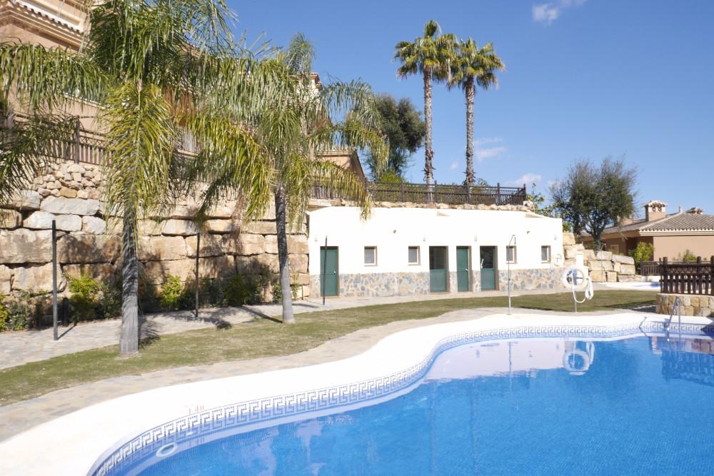 Marbella Banus Apartamento Planta Baja en Venta en La Mairena – R3105085