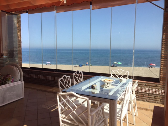Fabulous independent villa in corner in FIRST LINE, FRONTAL AL MAR !!!!  Magnificent location just a, Spain
