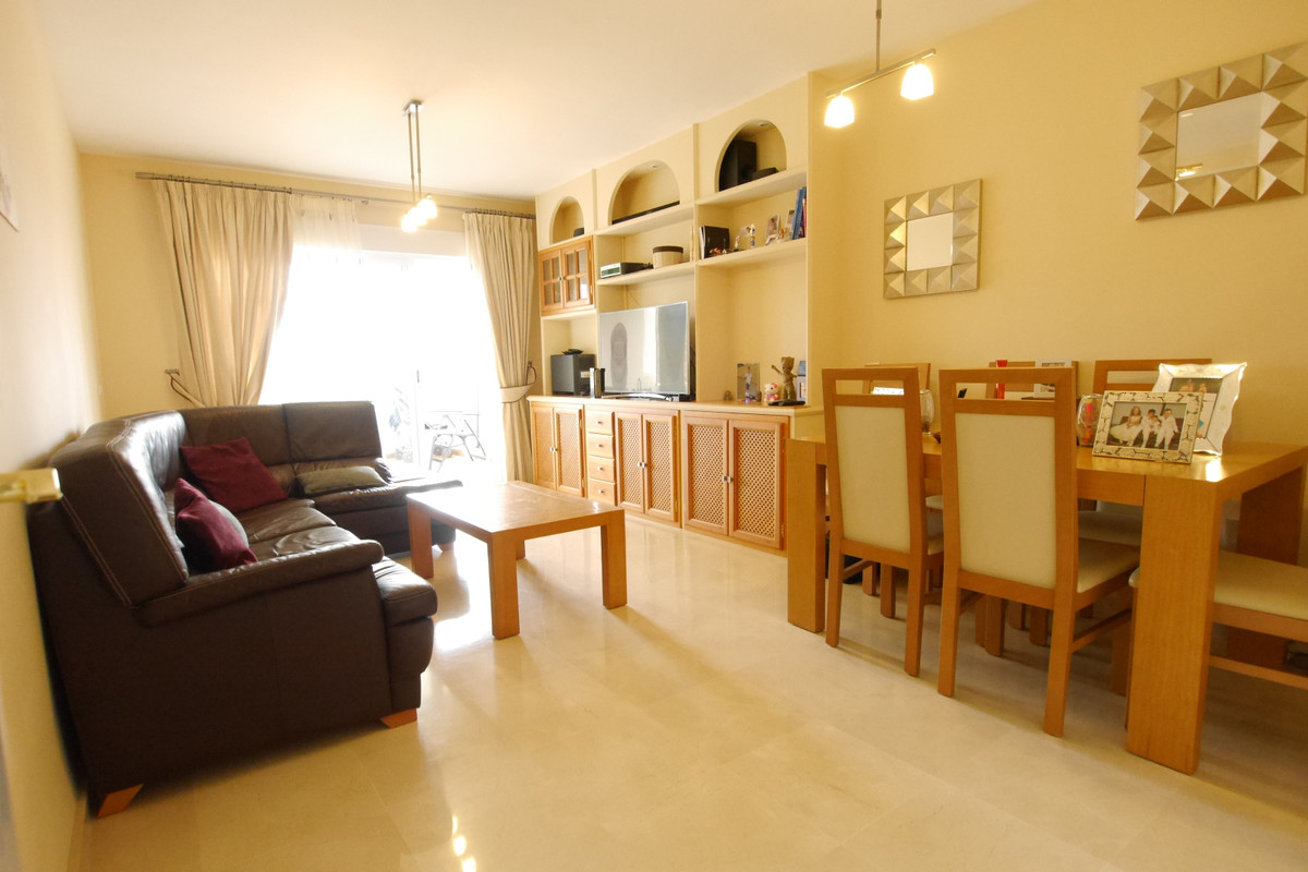 Middle Floor Apartment in Calahonda