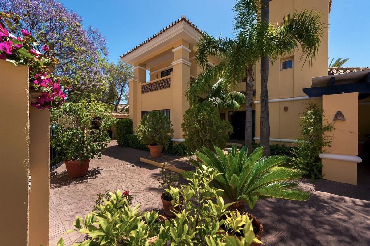 Marbella Banus Villa – Chalet en Venta en Marbella – R3278362