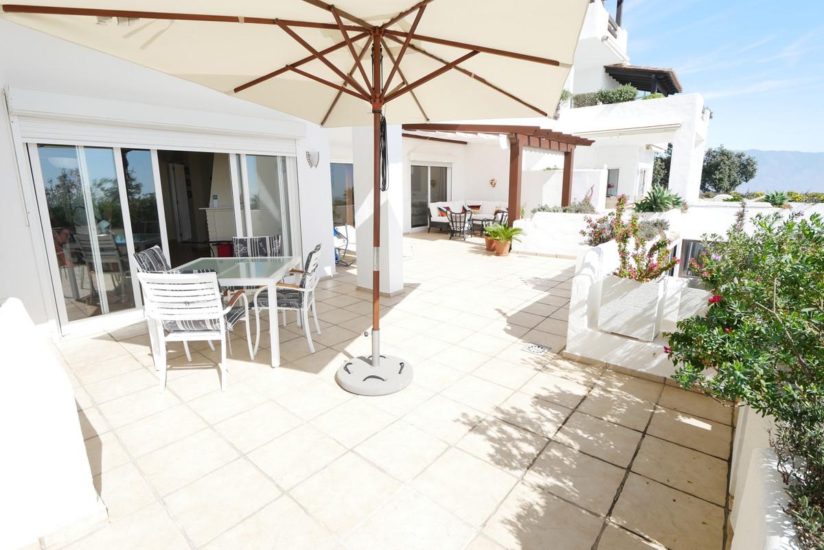 Apartamento Planta Media en Venta en La Mairena – R3518071