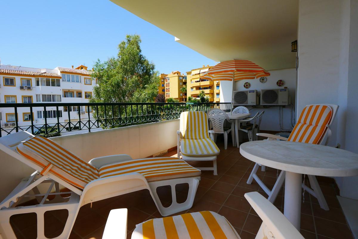 Marbella Banus Apartamento Planta Media en Venta en Calahonda – R3520318