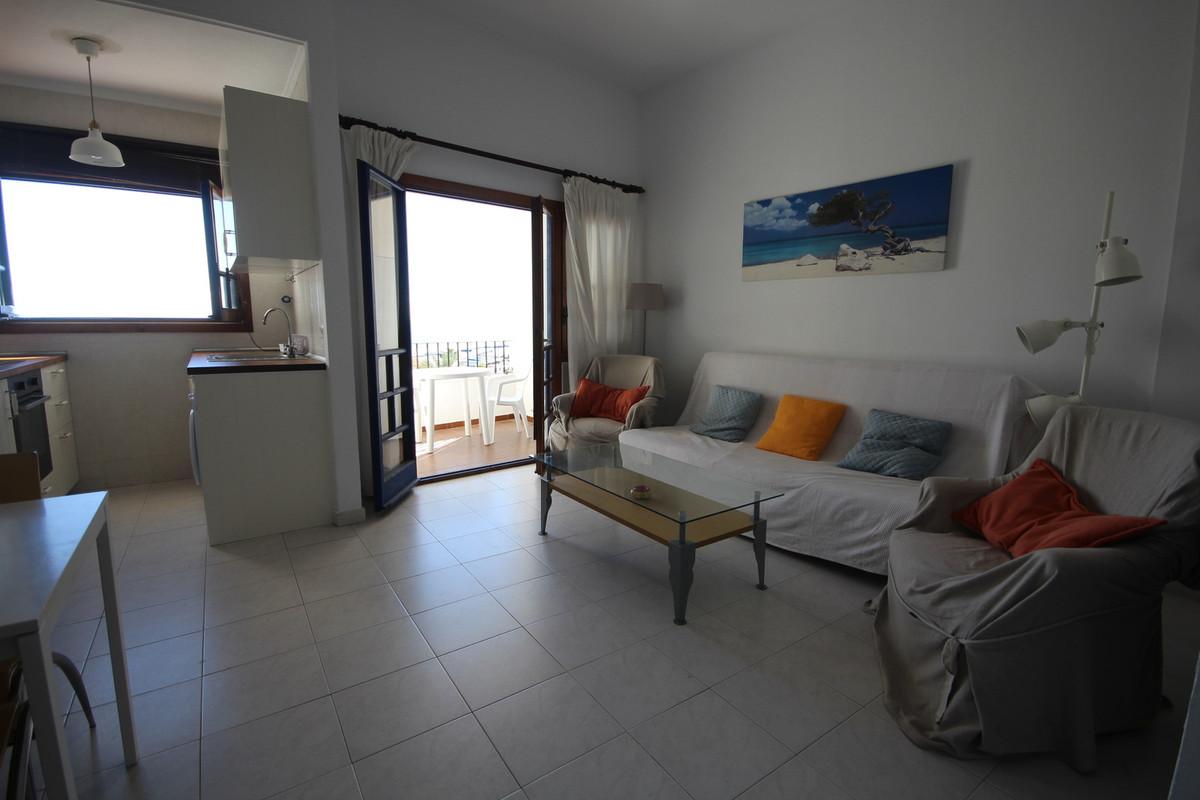 Apartamento Planta Media en Venta en Puerto de Cabopino – R3082831