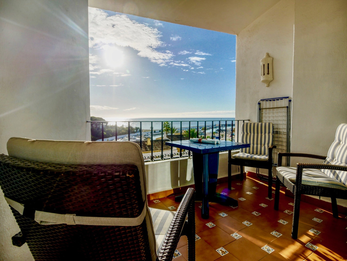 A super apartment in the Port Complex of Cabopino right by the beach and Marina with views from the ,Spain