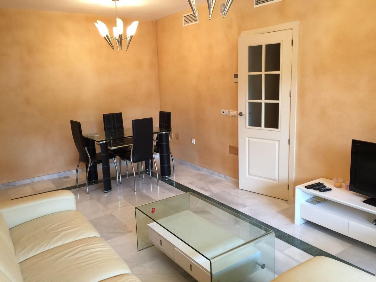 Apartamento en Venta en Marbella – R3203728