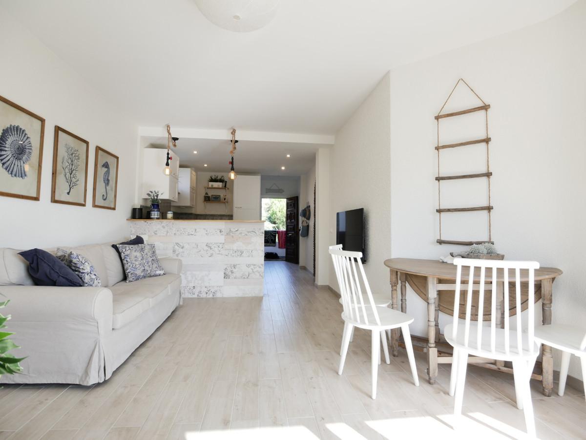 Marbella Banus Apartamento en Venta en Calahonda – R3262300