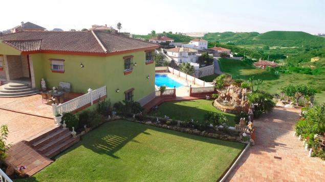 Detached Villa in La Cala de Mijas R2920904