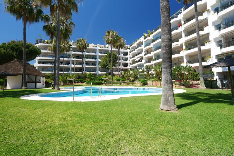 Apartamento Planta Baja en venta, Calahonda – R3530896
