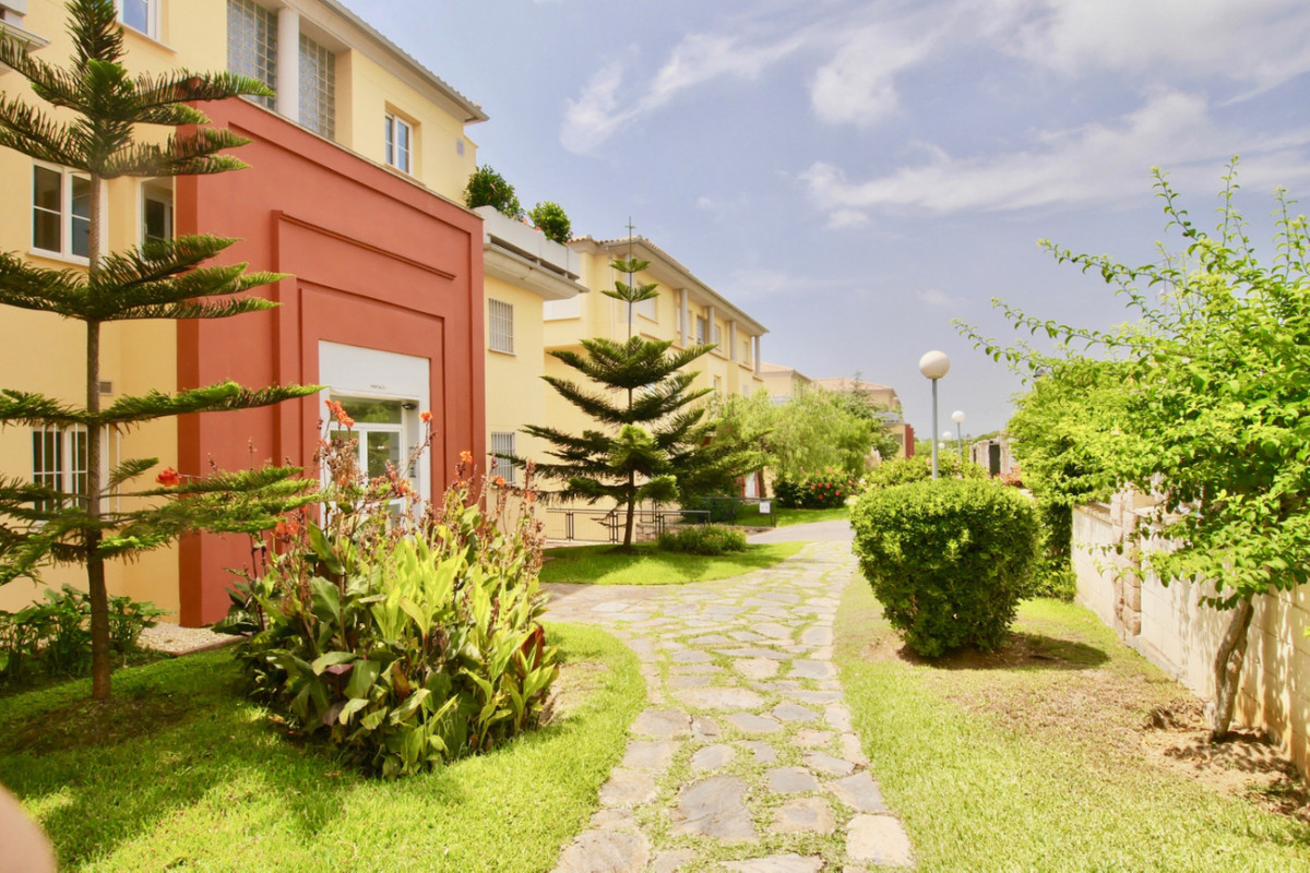 Apartamento en Venta en Cabopino – R2975189