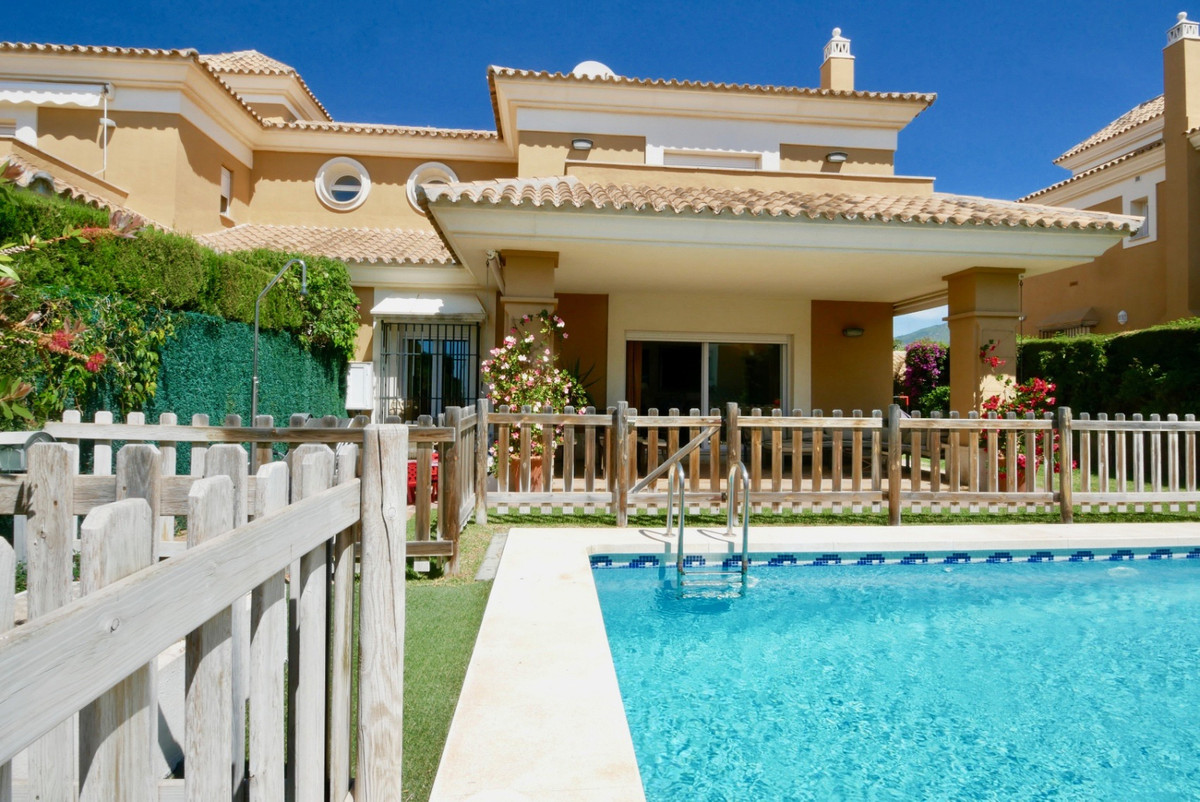 Spectacular semi-detached house with views to the sea and the mountain in the middle of golf, exclus, Spain