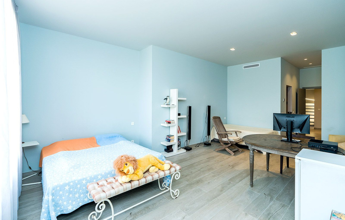 House in El Rosario R2732846 17