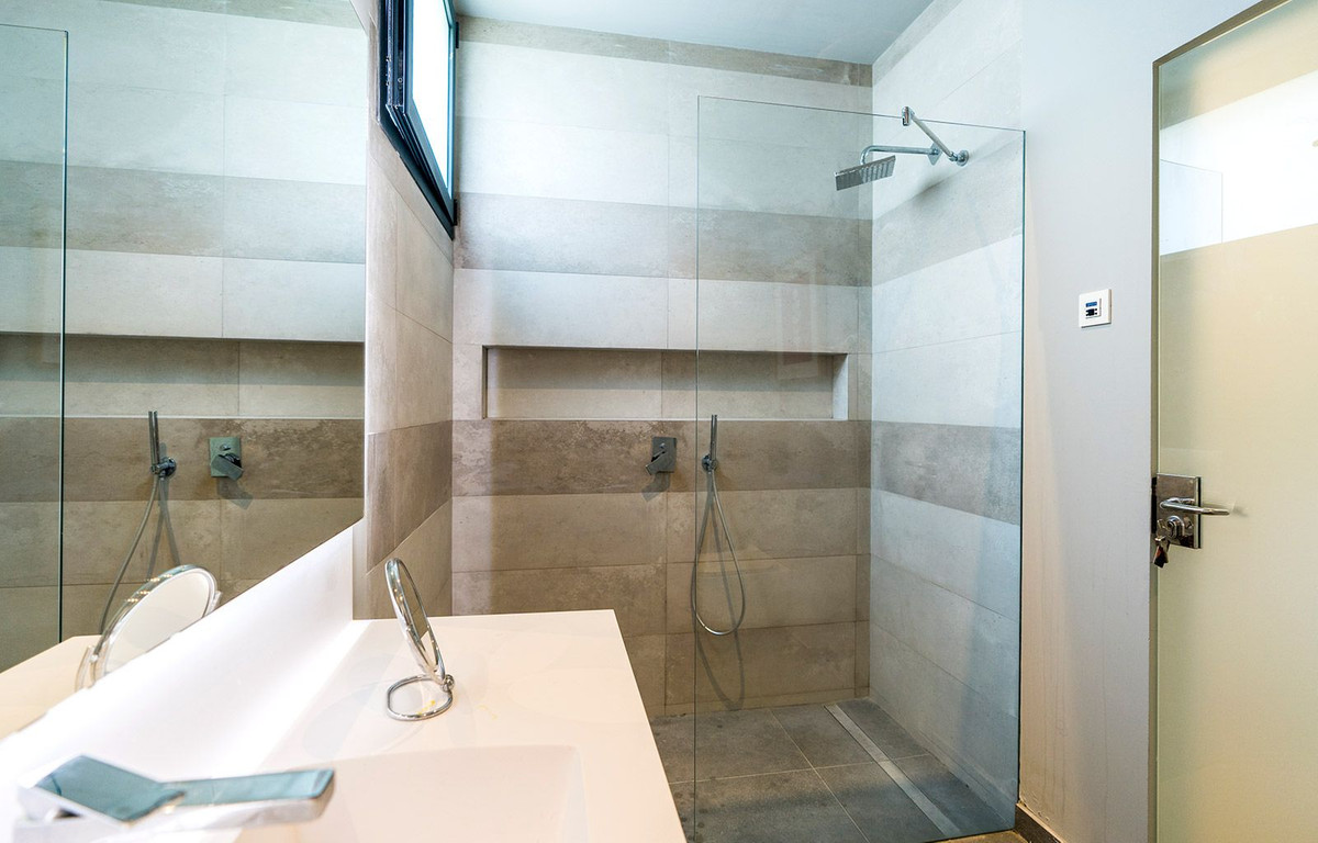 House in El Rosario R2732846 18